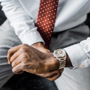 10 günstige Uhren für Männer, die teuer aussehen [2020]